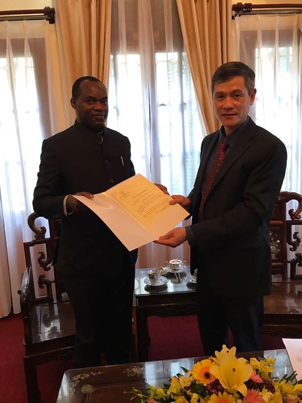 乌干达希望推动与越南的合作关系 hinh anh 1