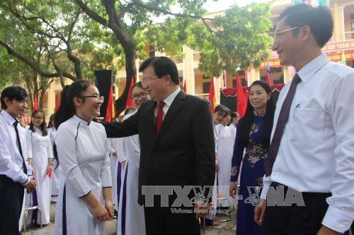 党、国家领导人出席全国各所学校开学典礼 与师生们共同分享喜悦 hinh anh 3