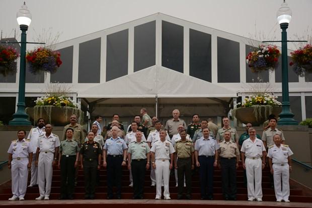越南人民军总参谋长在第20届亚太国防军司令会议期间举行一系列双边活动 hinh anh 1