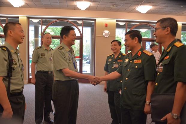 越南人民军总参谋长在第20届亚太国防军司令会议期间举行一系列双边活动 hinh anh 2