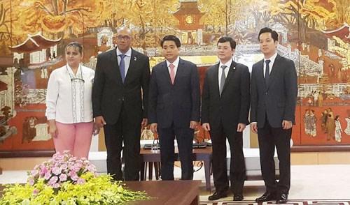 河内市与古巴加强在多领域的合作关系 hinh anh 1