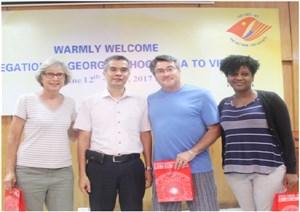 河内市越美友好协会促进两国和两国人民关系做出积极贡献 hinh anh 1