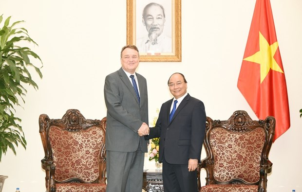 越南政府总理阮春福会见斯洛伐克驻越南大使 hinh anh 1