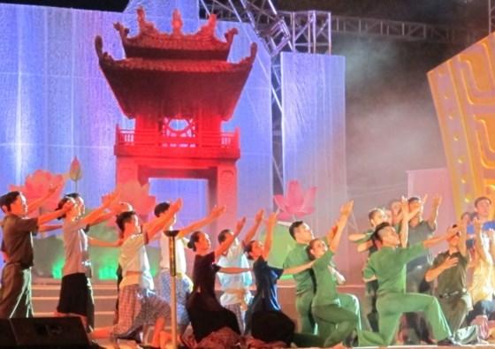 越南与柬埔寨青年官兵加强经验交流 hinh anh 2