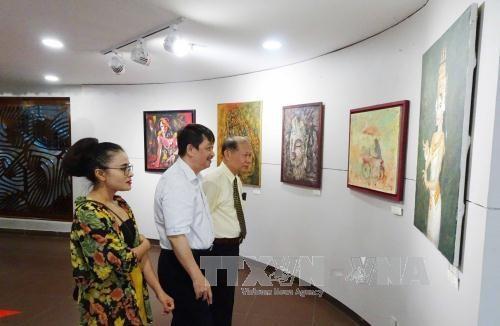 越老柬美术展在岘港市举行 hinh anh 2