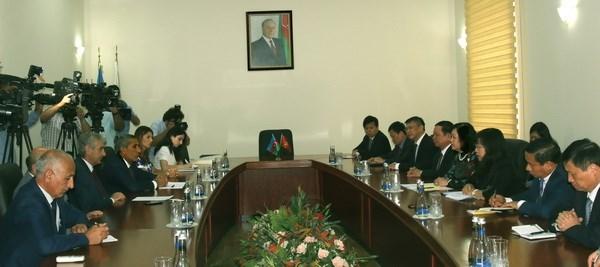 越南共产党代表团对阿塞拜疆进行工作访问 hinh anh 1