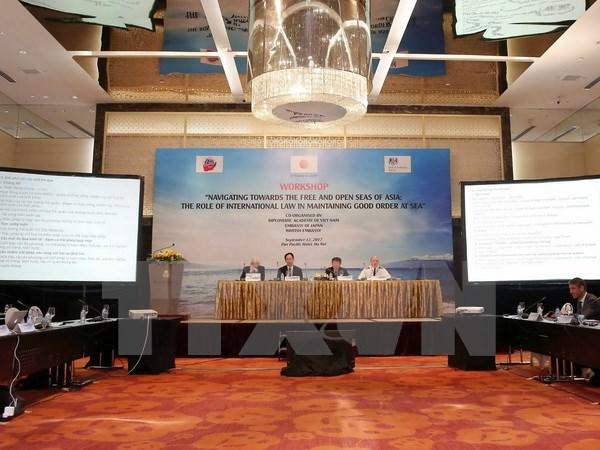 """""""面向亚洲自由开放海域:国际法在维持海上秩序的作用""""研讨会在河内举行 hinh anh 1"""