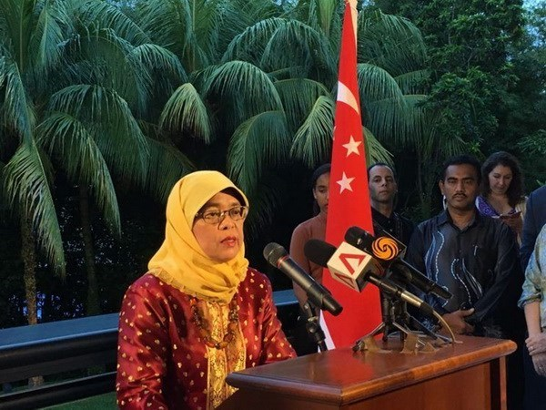哈莉玛当选新加坡总统 hinh anh 1