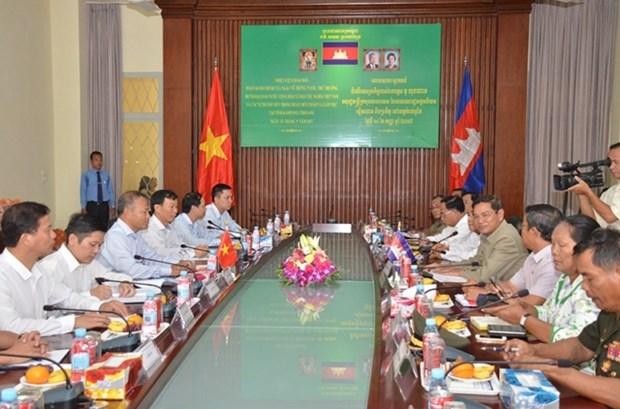 越南与柬埔寨加强水产养殖合作 hinh anh 1
