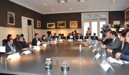 越南政府副总理王廷惠对比利时王国进行访问 hinh anh 2