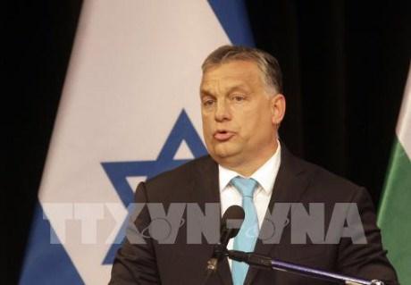 匈牙利总理欧尔班开始对越南进行正式访问 hinh anh 1