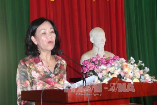 越共中央民运部长张氏梅接触林同省选民 hinh anh 1