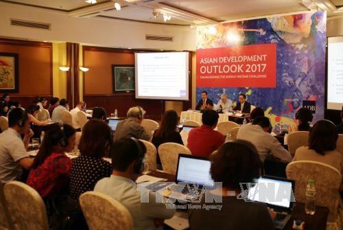 亚行下调2017年越南经济增长预期 hinh anh 1