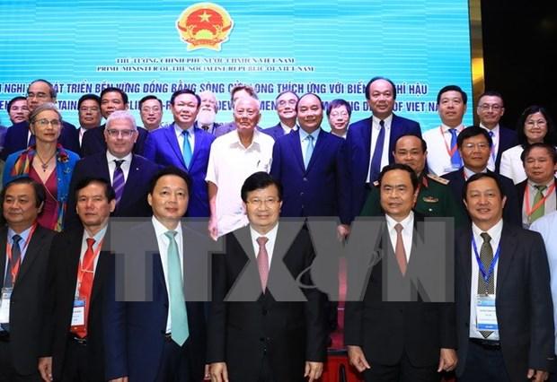 阮春福总理主持召开关于九龙江三角洲地区可持续发展和适应气候变化的会议 hinh anh 1