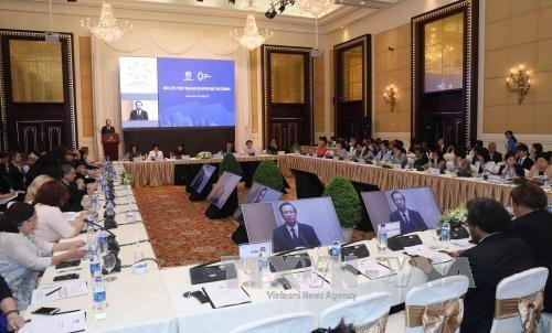 2017年妇女与经济高级政策对话开幕 重点讨论加强妇女经济参与和经济赋权议题 hinh anh 1