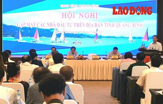广平省领导与200家企业代表举行对话 hinh anh 1
