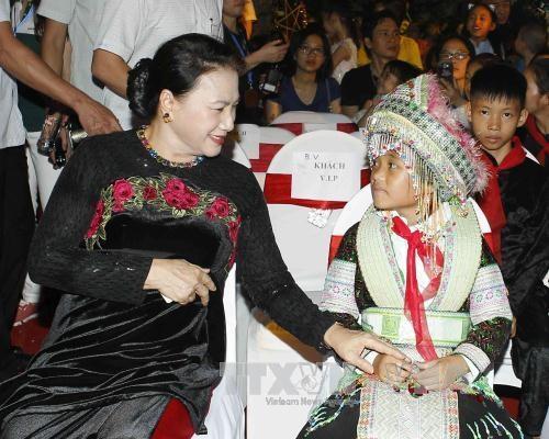 国会主席阮氏金银:儿童是家庭幸福的根基,是国家的未来 hinh anh 2