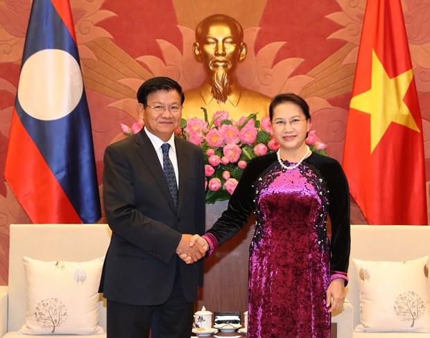 越南国会主席阮氏金银会见老挝总理通伦·西苏里 hinh anh 1