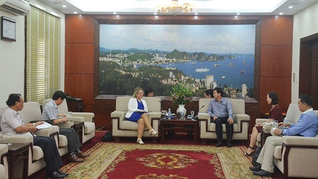 越南广宁省领导会见荷兰驻越南副大使 hinh anh 1