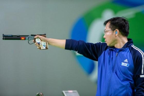 越南射击运动员黄春荣仍稳居男子10米气手枪世界第一 hinh anh 1