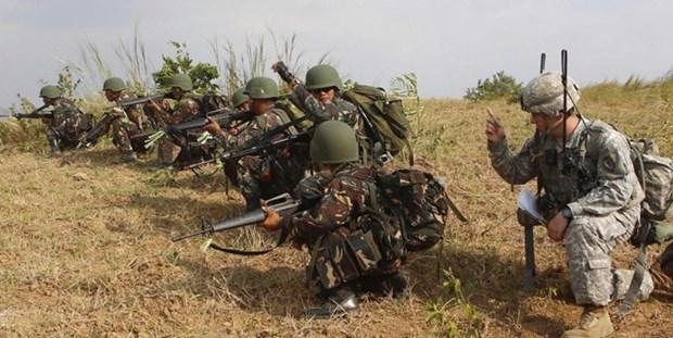 美国与菲律宾同意加强联合军事行动 hinh anh 1