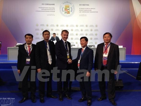 越南代表团出席第十六届情报机构领导人会议 hinh anh 1