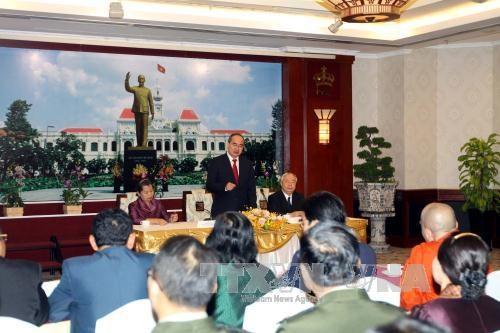 胡志明市市委书记阮善仁会见柬埔寨人民代表团 hinh anh 1