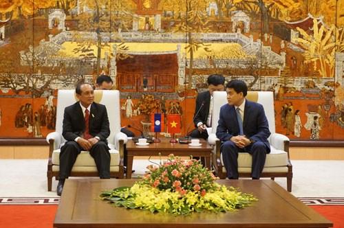 推动河内市与老挝琅勃拉邦省关系深入务实发展 hinh anh 1