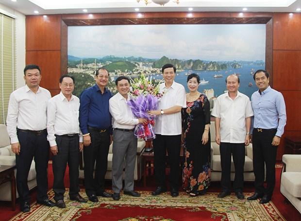 广宁省人民委员会主席阮德龙会见该省企业协会 hinh anh 1