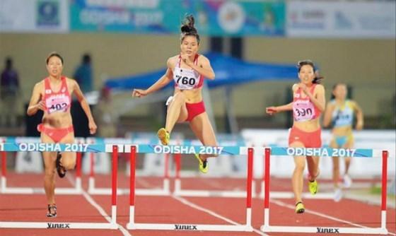 最新一期田径世界排名:阮氏玄位居世界女子400米跨栏跑50强 hinh anh 1