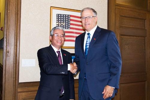 越南驻美国大使范光荣访问华盛顿州 hinh anh 1