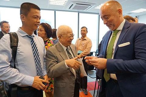 胡志明市中欧四国签证申请服务中心正式开业 hinh anh 2