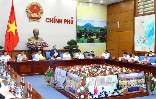 越南政府总理阮春福: 对非法砍伐森林相关责任人员进行责任追究 hinh anh 2