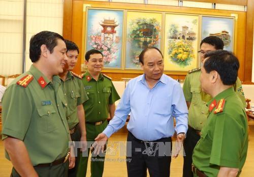 越南政府总理阮春福: 对非法砍伐森林相关责任人员进行责任追究 hinh anh 3