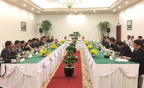 越老建交55周年:胡志明市与老挝琅勃拉邦省推进友好合作 hinh anh 1