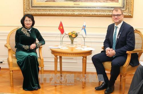 国家副主席邓氏玉盛访问芬兰 先后会见芬兰总理和议会议长 hinh anh 2