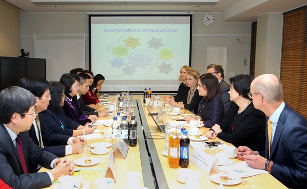 国家副主席邓氏玉盛访问芬兰的相关活动报道 hinh anh 1