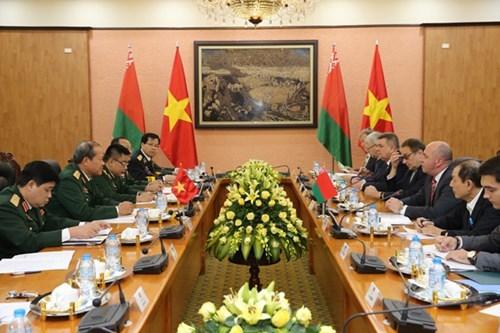 越南与白俄罗斯推动军事技术合作 hinh anh 1