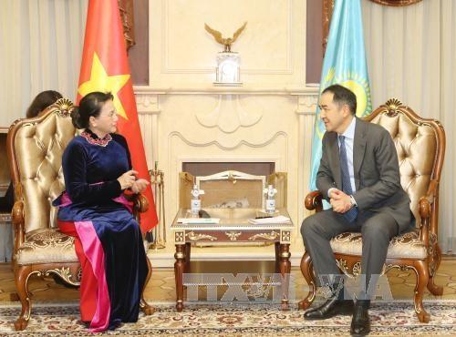 越南国会主席阮氏金银圆满结束对哈萨克斯坦的正式访问 hinh anh 2