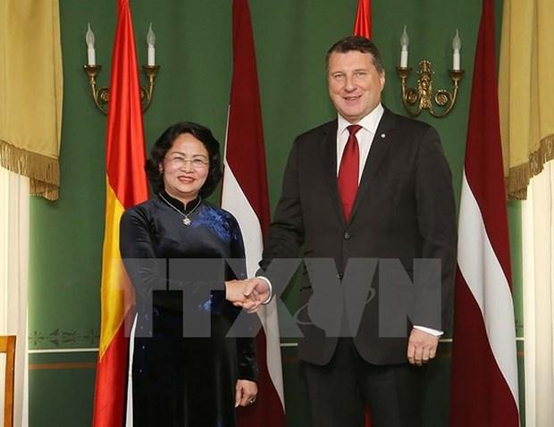 国家副主席邓氏玉盛对拉脱维亚进行正式访问 hinh anh 1