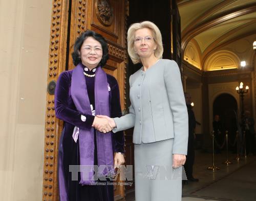 拉脱维亚希望与越南加强多方面的合作 hinh anh 1