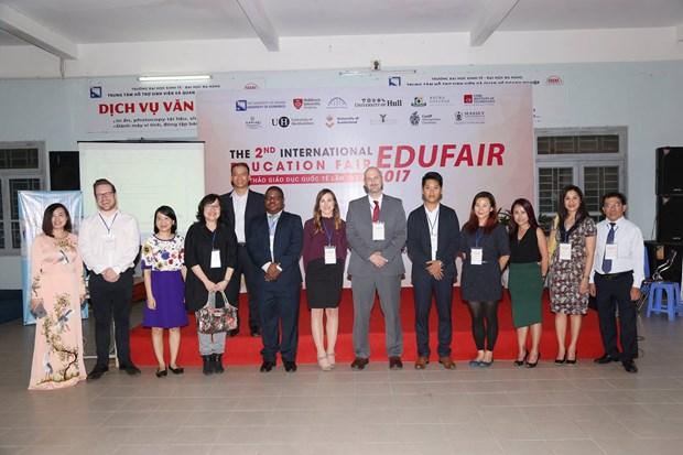 2017年岘港国际教育研讨会吸引世界各地12所大学代表参加 hinh anh 1