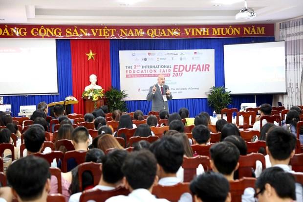 2017年岘港国际教育研讨会吸引世界各地12所大学代表参加 hinh anh 2