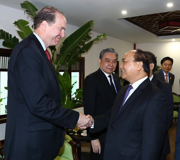 越南政府总理阮春福出席第24届亚太经合组织财长会 hinh anh 3