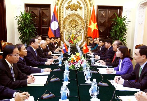 越南政府副总理张和平与老挝政府副总理宋赛 • 西潘敦举行会谈 hinh anh 2