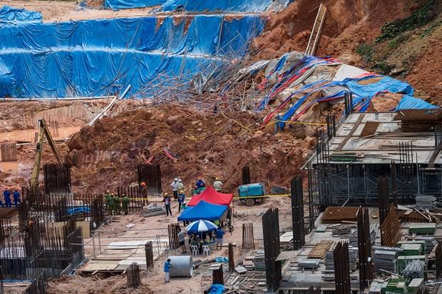 马来西亚在建工地发生山体滑坡 致11人死亡和失踪 hinh anh 1