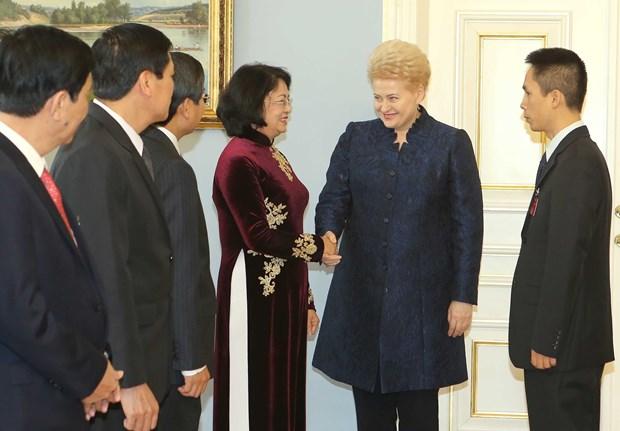 国家副主席邓氏玉盛对立陶宛进行工作访问 hinh anh 1