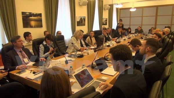"""APEC 2017:结果、问题和2020年后展望""圆桌会议在俄罗斯举行 hinh anh 1"