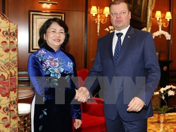 越南与立陶宛进一步加强合作关系 hinh anh 1