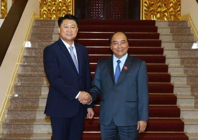 越南政府总理阮春福会见韩国国家警察厅厅长李哲圣 hinh anh 1